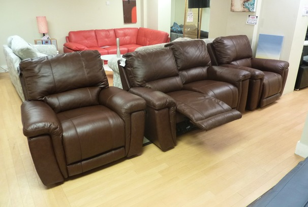 Bonita 2 seater recliner and 2 electric power chairs £1799 (SUPERSTORE)