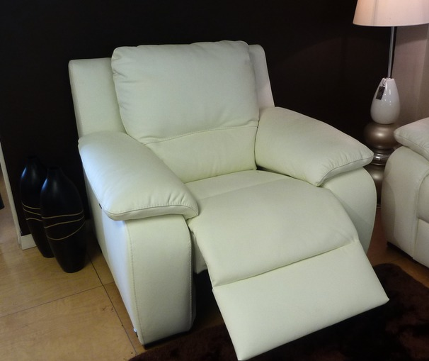 Orlando electric recliner chair £699 (SWANSEA)