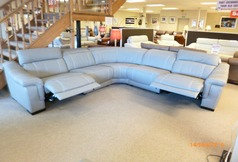 Lipari 5 seater electric recliner corner suite mid grey (£3199) - Click for more details