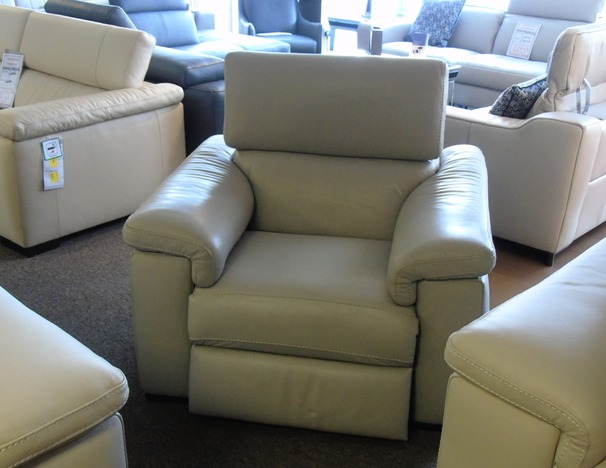 LAZIO Electric recliner chair £799 (SUPERSTORE)