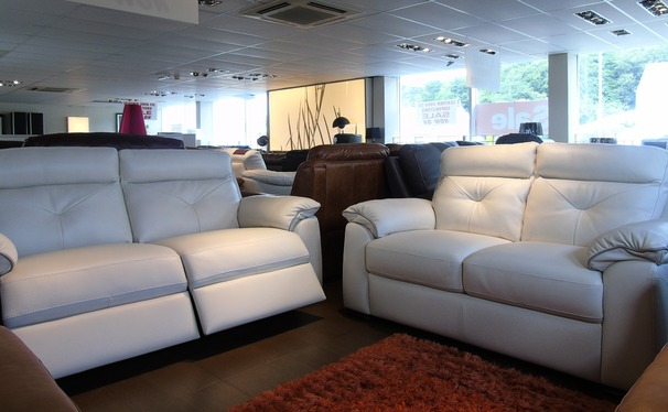 Siena 3 seater electric recliner and 2 seater sofa cream hide £2299 (SUPERSTORE)