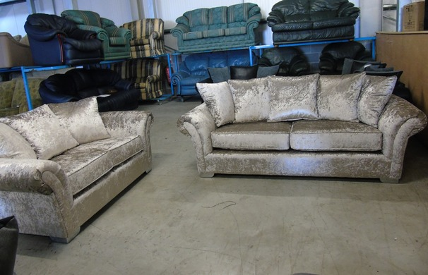 Kentucky 3 seater and 2 seater crushed velvet £499 (CLEARANCE OUTLET)